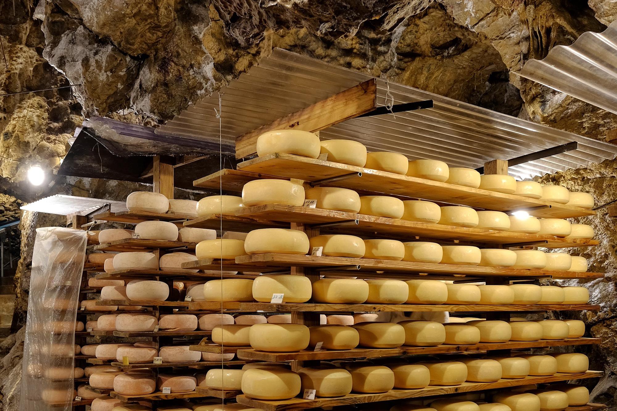 Atta-Käse Das Original – In Der Tiefe Gereift